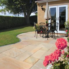 Golden Fossil Calibrated Sandstone Paving (22mm)