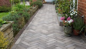 marshalls-alvanley-sandstone-pavers_1_hr